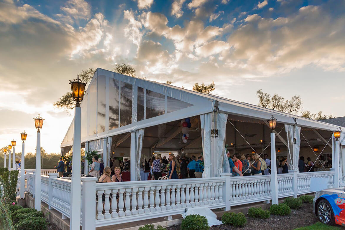 Penn_Oaks_Golf_Club_Patio_Wedding_Reception